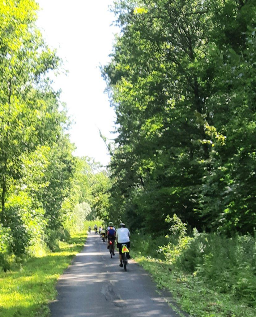 Tour Vert Cyclists